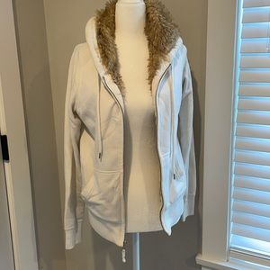 Fur-lined Cream Abercrombie Fitch Thick Winter Hoodie M